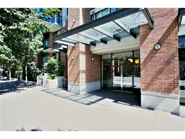 "Photo 2: 1805 1082 SEYMOUR Street in Vancouver: Downtown VW Condo for sale in ""FREESIA"" (Vancouver West)  : MLS(r) # V1075542"