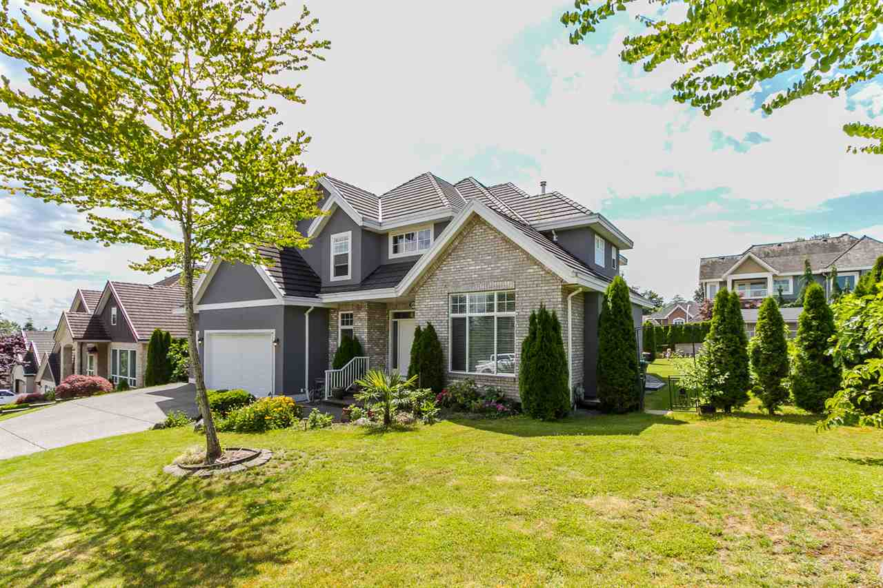 Photo 2: 16338 92 AVENUE in Surrey: Fleetwood Tynehead House for sale : MLS(r) # R2089070