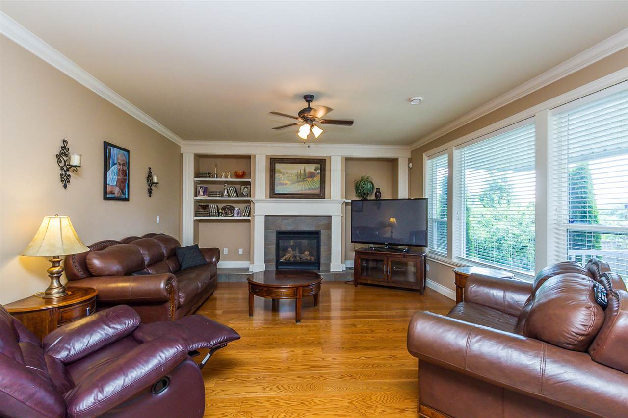 Photo 7: 16338 92 AVENUE in Surrey: Fleetwood Tynehead House for sale : MLS(r) # R2089070
