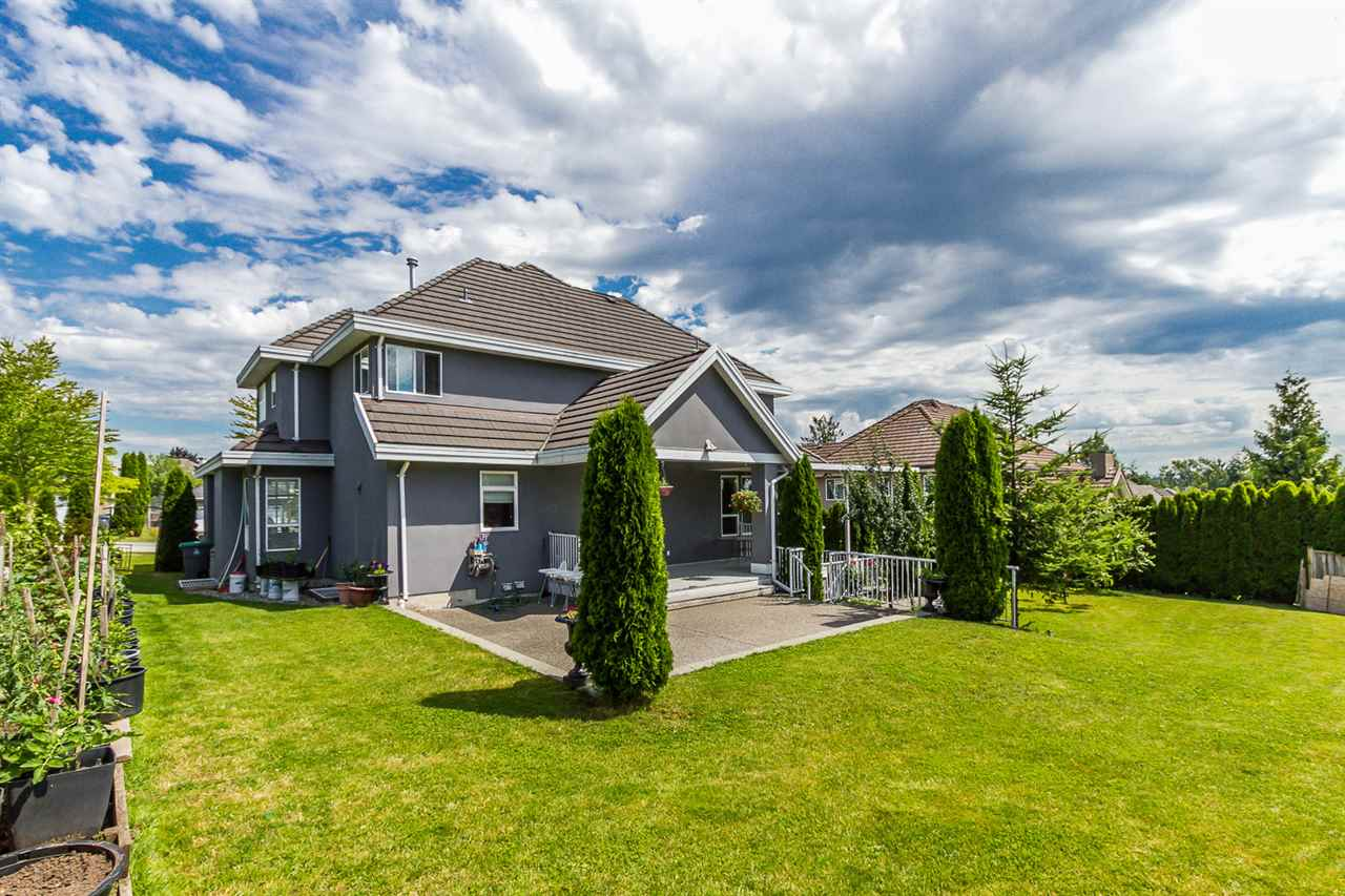 Photo 18: 16338 92 AVENUE in Surrey: Fleetwood Tynehead House for sale : MLS(r) # R2089070