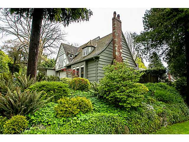 Main Photo: 6138 CEDARHURST ST in Vancouver: Kerrisdale House for sale (Vancouver West)  : MLS®# V1040143