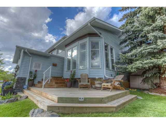 Main Photo: 197 WOOD VALLEY Drive SW in Calgary: Woodbine Residential Detached Single Family for sale : MLS® # C3633592