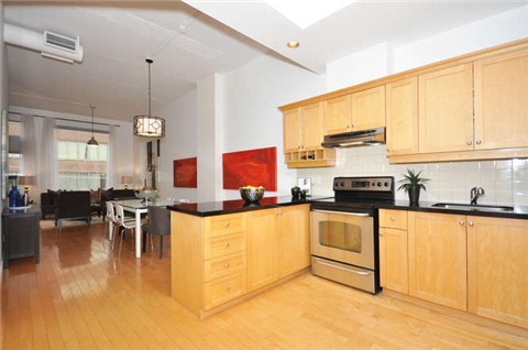 Main Photo: 180 Frederick St Unit #404 in Toronto: Moss Park Condo for sale (Toronto C08)  : MLS(r) # C3181317