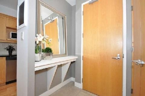 Photo 5: 180 Frederick St Unit #404 in Toronto: Moss Park Condo for sale (Toronto C08)  : MLS(r) # C3181317