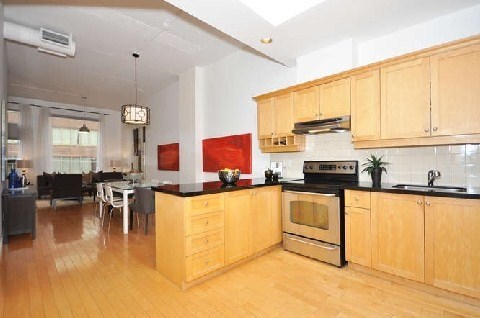 Photo 8: 180 Frederick St Unit #404 in Toronto: Moss Park Condo for sale (Toronto C08)  : MLS(r) # C3181317