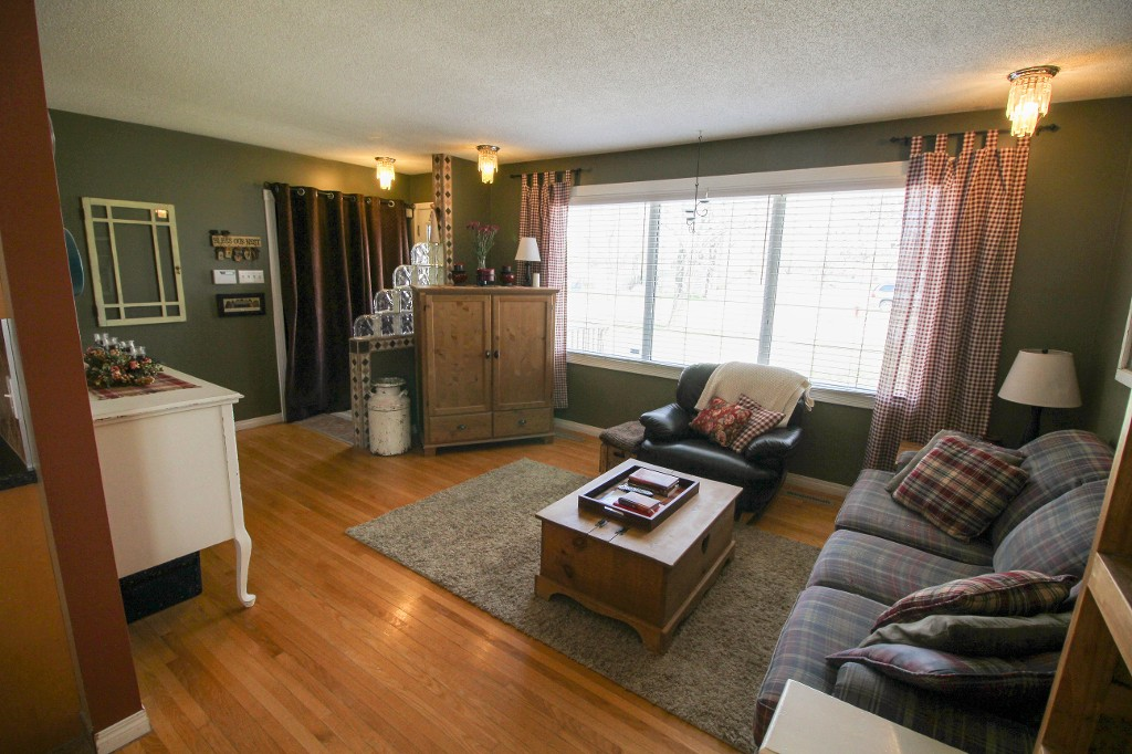 Photo 7: 199 Houde Drive in Winnipeg: St Norbert Single Family Detached for sale (South Winnipeg)  : MLS(r) # 1611350