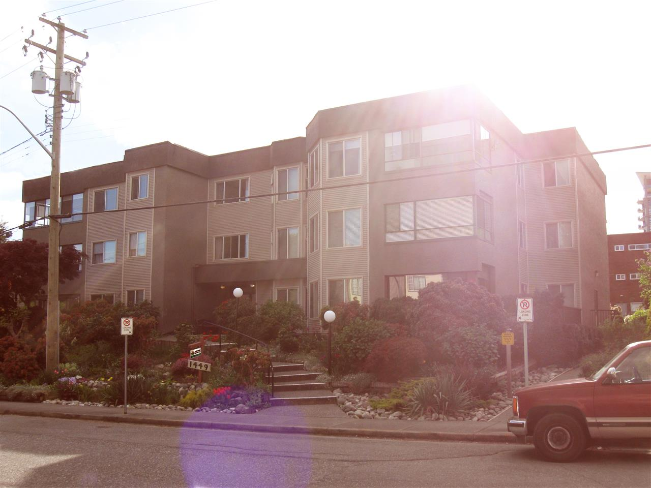 Main Photo: 104 1449 MERKLIN STREET: White Rock Condo for sale (South Surrey White Rock)  : MLS(r) # R2056946