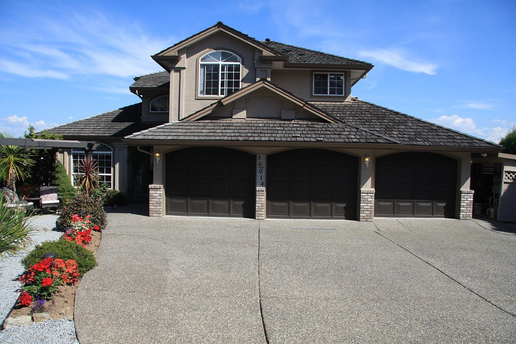 Main Photo: 36014 Empress Lane in Abbotsford: Abbotsford East House for sale : MLS® # R2100969