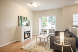 Main Photo: 405 1661 FRASER AVENUE in Port Coquitlam: Glenwood PQ Townhouse for sale : MLS® # R2007913