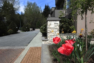 Main Photo: 615 1500 OSTLER COURT in North Vancouver: Indian River Townhouse for sale : MLS(r) # R2143458