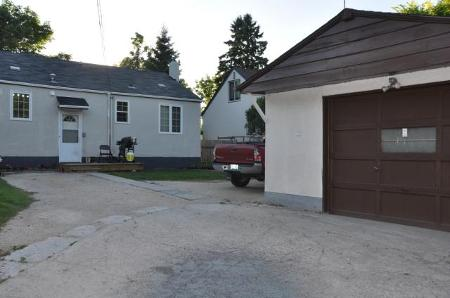 Photo 18: 604 CENTENNIAL Street in Winnipeg: Residential for sale (Canada)  : MLS® # 1113577