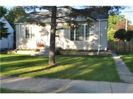 Main Photo: 604 CENTENNIAL Street in Winnipeg: Residential for sale (Canada)  : MLS®# 1113577