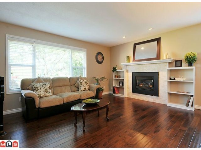"Photo 2: 5002 197TH Street in Langley: Langley City House for sale in ""Eagle Heights"" : MLS® # F1222098"