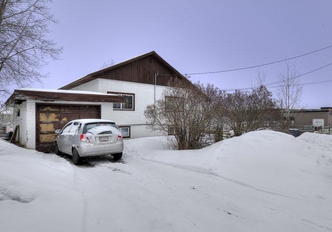 Photo 5: 2626 Petersen Road in Prince George: Home for sale