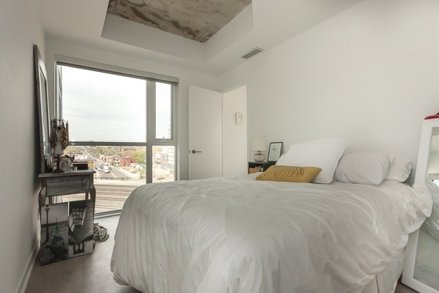 Photo 2: 1205 Queen St W Unit #606 in Toronto: Little Portugal Condo for sale (Toronto C01)  : MLS® # C3494854