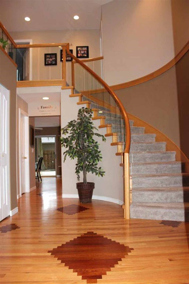 Photo 2: 4188 207 STREET in Langley: Brookswood Langley House for sale : MLS(r) # R2052049