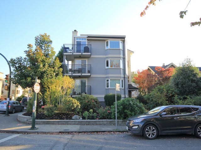 Main Photo: 6 1606 W 10TH AVENUE in Vancouver: Fairview VW Condo for sale (Vancouver West)  : MLS®# R2115492
