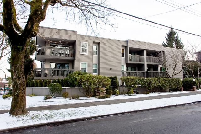 "Main Photo: 306 3020 QUEBEC Street in Vancouver: Mount Pleasant VE Condo for sale in ""KARMA ROSE"" (Vancouver East)  : MLS® # V928847"
