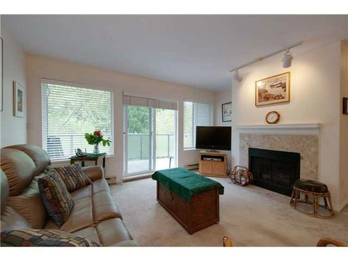 Photo 3: 400 6707 SOUTHPOINT Drive in Burnaby South: South Slope Home for sale ()  : MLS(r) # V985900
