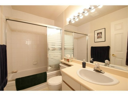 Photo 9: 400 6707 SOUTHPOINT Drive in Burnaby South: South Slope Home for sale ()  : MLS(r) # V985900