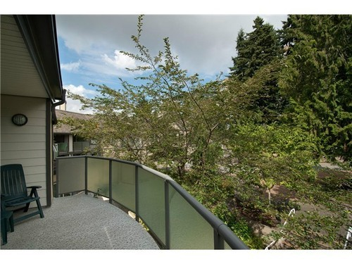 Photo 10: 400 6707 SOUTHPOINT Drive in Burnaby South: South Slope Home for sale ()  : MLS® # V985900