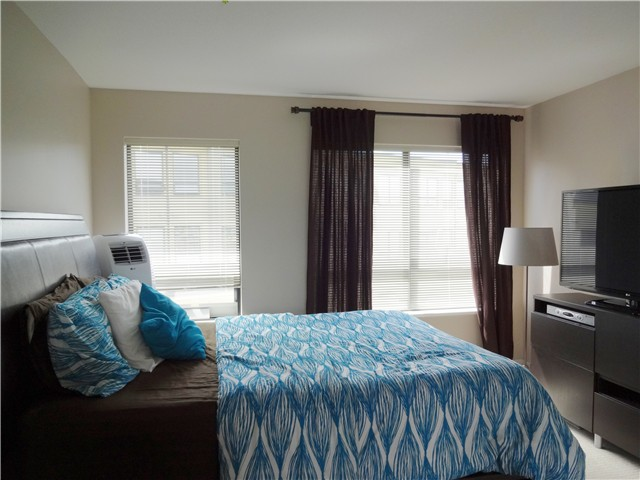 Photo 4: # 118 1859 STAINSBURY AV in Vancouver: Victoria VE Condo for sale (Vancouver East)  : MLS(r) # V1022273