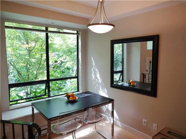 Photo 3: # 118 1859 STAINSBURY AV in Vancouver: Victoria VE Condo for sale (Vancouver East)  : MLS(r) # V1022273