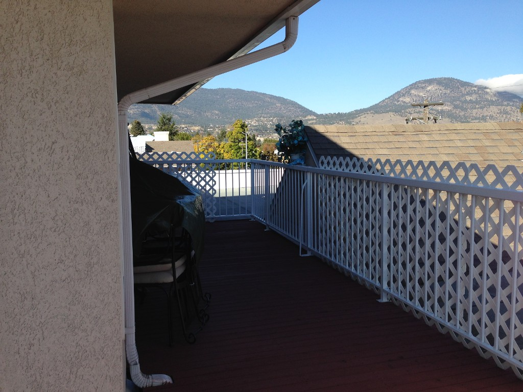 Photo 3: 401 254 Scott Avenue in Penticton: Main North Multifamily for sale : MLS(r) # 146005
