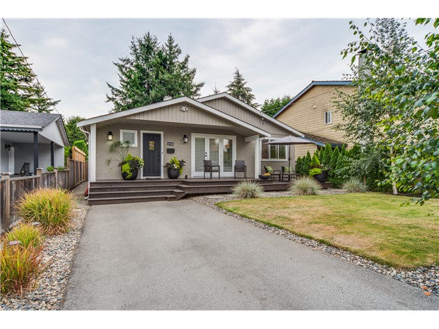 "Main Photo: 1710 FARRELL Crescent in Tsawwassen: Beach Grove House for sale in ""BEACH GROVE"" : MLS(r) # V1082918"