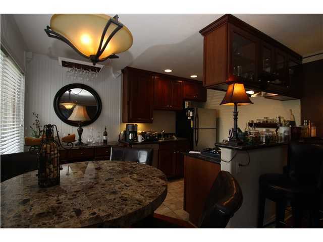 Photo 3: LA JOLLA Home for sale or rent : 1 bedrooms : 8430 Via Mallorca #109