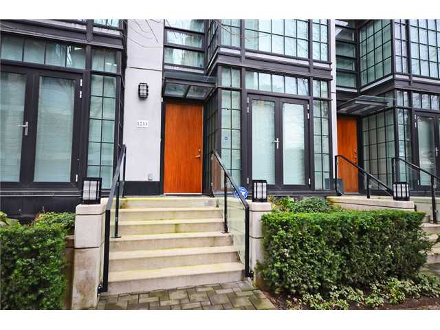 Main Photo: 1233 Seymour Street in Vancouver: Downtown VW Condo for sale (Vancouver West)  : MLS® # V1042541