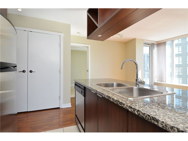 Photo 7: # 1806 1010 RICHARDS ST in Vancouver: Yaletown Condo for sale (Vancouver West)  : MLS(r) # V1086266