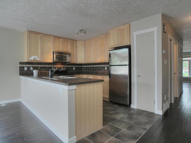 Photo 6:  in : Zone 05 Townhouse for sale (Edmonton)  : MLS(r) # E3426462