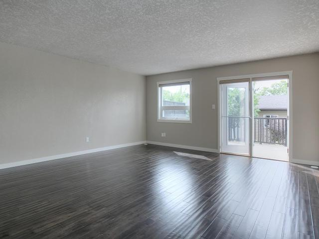 Photo 3:  in : Zone 05 Townhouse for sale (Edmonton)  : MLS(r) # E3426462