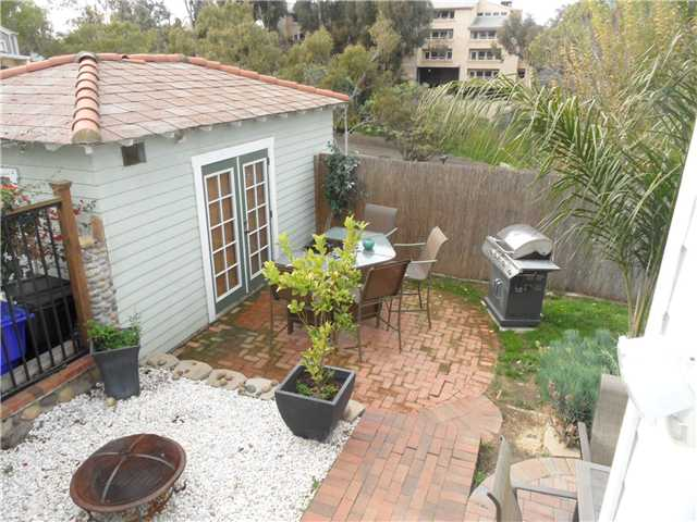 Photo 10: HILLCREST House for sale : 2 bedrooms : 4230 3rd Avenue in San Diego