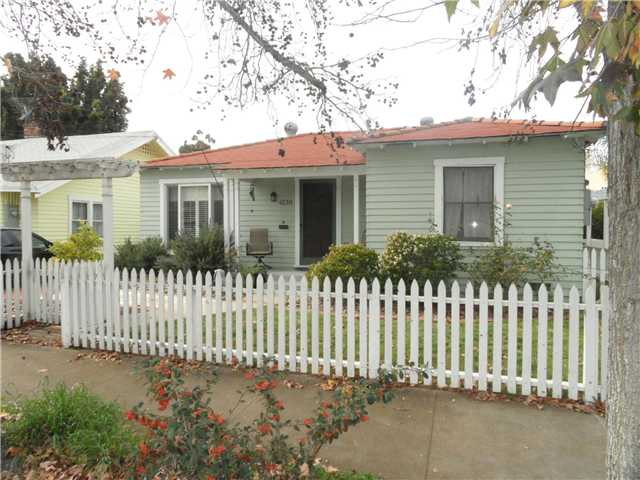 Main Photo: HILLCREST House for sale : 2 bedrooms : 4230 3rd Avenue in San Diego
