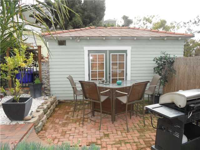 Photo 12: HILLCREST House for sale : 2 bedrooms : 4230 3rd Avenue in San Diego