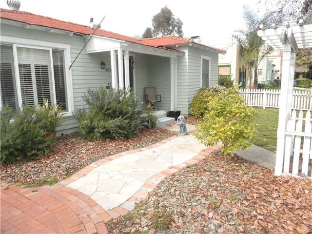 Photo 3: HILLCREST House for sale : 2 bedrooms : 4230 3rd Avenue in San Diego