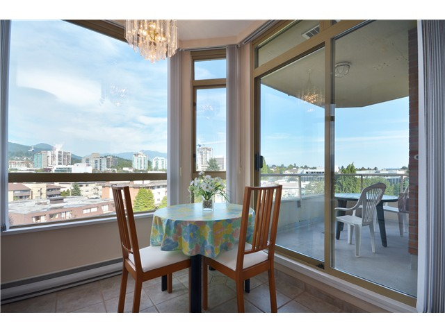 Photo 4: 801 160 W KEITH Road in North Vancouver: Central Lonsdale Condo for sale : MLS(r) # V989160