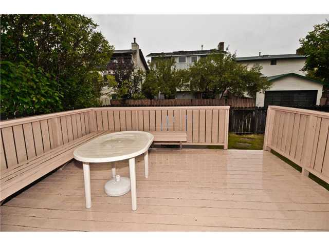 Photo 2: 75 HAWKWOOD Crescent NW in CALGARY: Hawkwood Residential Detached Single Family for sale (Calgary)  : MLS(r) # C3586327