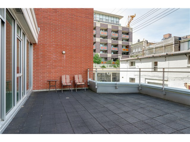 "Photo 15: 217 221 UNION Street in Vancouver: Mount Pleasant VE Condo for sale in ""V6A"" (Vancouver East)  : MLS(r) # V1073041"