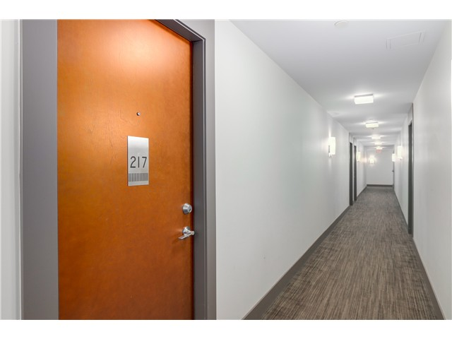 "Photo 4: 217 221 UNION Street in Vancouver: Mount Pleasant VE Condo for sale in ""V6A"" (Vancouver East)  : MLS(r) # V1073041"