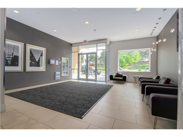 "Photo 3: 217 221 UNION Street in Vancouver: Mount Pleasant VE Condo for sale in ""V6A"" (Vancouver East)  : MLS(r) # V1073041"