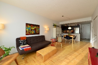 "Main Photo: 404 2520 MANITOBA Street in Vancouver: Mount Pleasant VW Condo for sale in ""THE VUE"" (Vancouver West)  : MLS®# V973349"