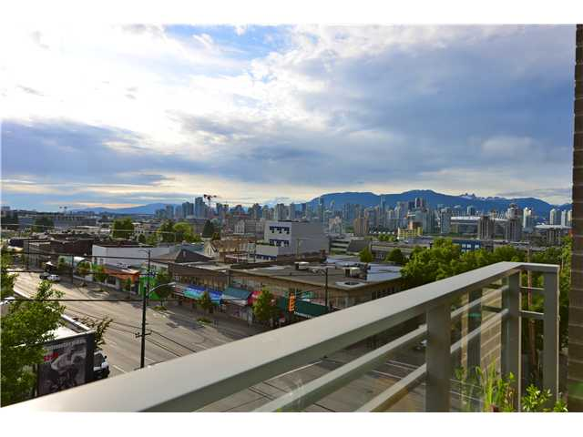 "Photo 10: 404 2520 MANITOBA Street in Vancouver: Mount Pleasant VW Condo for sale in ""THE VUE"" (Vancouver West)  : MLS(r) # V973349"