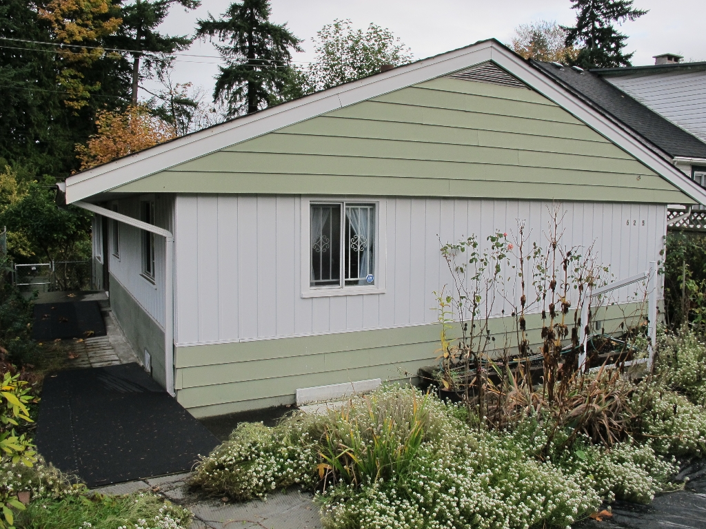 Main Photo: 625 E COLUMBIA Street in New Westminster: The Heights NW House for sale : MLS® # V978013