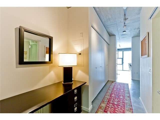 "Main Photo: 104 388 W 1ST Avenue in Vancouver: False Creek Condo for sale in ""THE EXCHANGE"" (Vancouver West)  : MLS® # V979976"