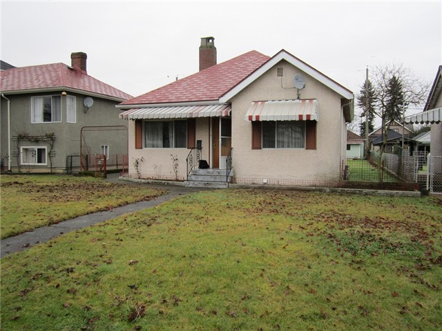 Main Photo: 3185 TURNER ST in Vancouver: Renfrew VE House for sale (Vancouver East)  : MLS® # V1098838