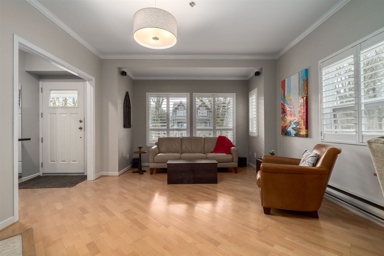 Photo 3: 159 W 13TH AVENUE in Vancouver: Mount Pleasant VW Townhouse for sale (Vancouver West)  : MLS(r) # R2030061