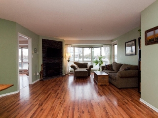 "Main Photo: 412 789 W 16TH Avenue in Vancouver: Fairview VW Condo for sale in ""SIXTEEN WILLOWS"" (Vancouver West)  : MLS® # V938093"